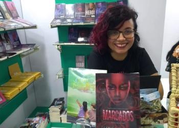 No ano passado, a moradora do bairro São José lançou livro na Bienal de São Paulo — Foto: Keiti Santos