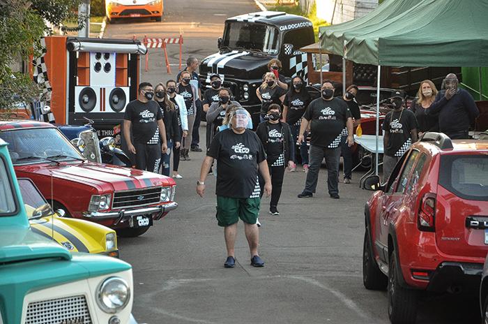 Apaixonados por carros e comunidade se mobilizaram em evento realizado pela Cia do Caco em Canoas — Fotos: Alex Fontana Lemos
