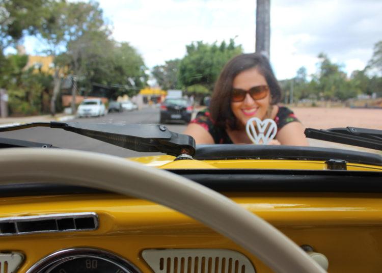 Emblema da VW em formato de coração foi pensado por Renata, que mandou fazer a peça e pagou pela exclusividade — Foto: Rafael Trajano