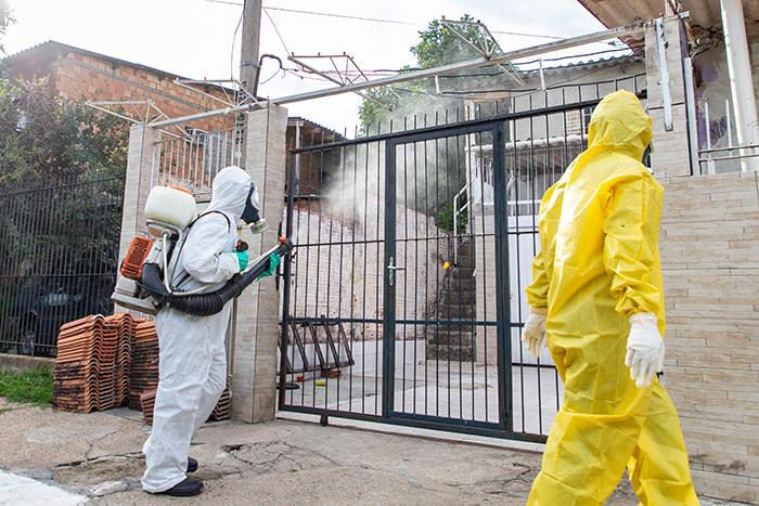 Combate ao mosquito 'Aedes aegypti' ganha reforço dos agentes de combate às endemias — Foto: Vinicius Thormann
