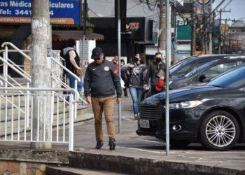 Os cachoeirinhenses estão levando a pandemia a sério: nove em cada 10 cidadãos afirmam usar máscaras em locais públicos ou estabelecimentos comerciais e 69,3% acreditam que o equipamento de proteção reduz o contágio — Foto: Larissa Ribeiro/PMC
