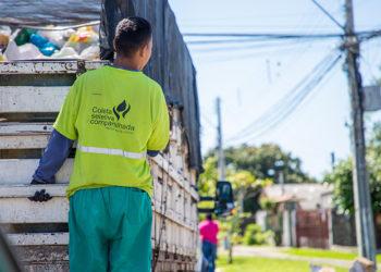 Desde janeiro, a Prefeitura de Canoas ampliou a coleta seletiva na cidade, estendendo o serviço para todos os bairros da cidade, duas vezes na semana — Foto: Derli Colomo Junior/PMC