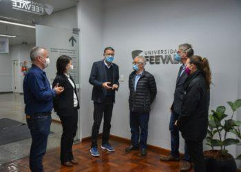 Reunião serviu para estreitar a parceria entre a Instituição e o Hospital Regina. Crédito: Fernanda Carvalho/Universidade Feevale
