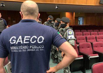 Duas pessoas foram presas por suspeita de falsificação de álcool em gel no RS — Foto: Ministério Público/Divulgação