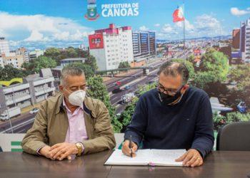 Durante agenda na capital federal, o vice-prefeito, Nedy de Vargas Marques, assume como chefe do Executivo canoense em exercício — Foto: Gustavo Garbino/PMC