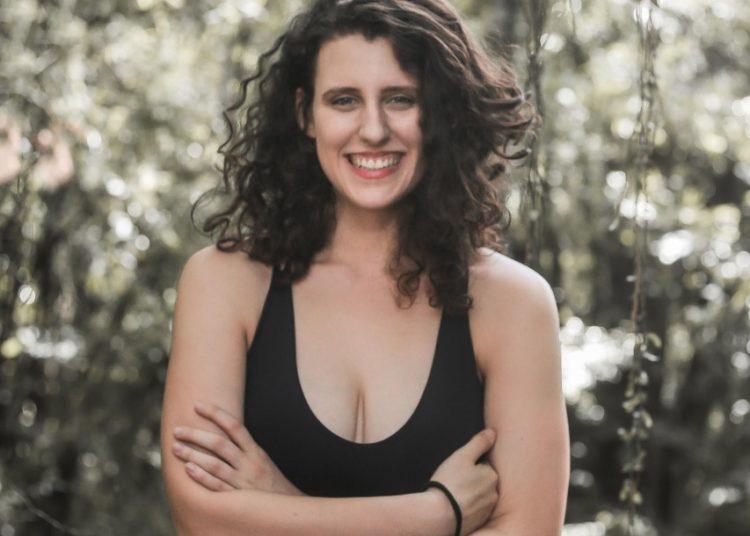 """Formada em Dança pela UFRGS e mestranda em Artes Cênicas, Anne Plein da Silva, de 22 anos, também foi selecionada com o projeto """"É pavê ou Padeburrê?"""