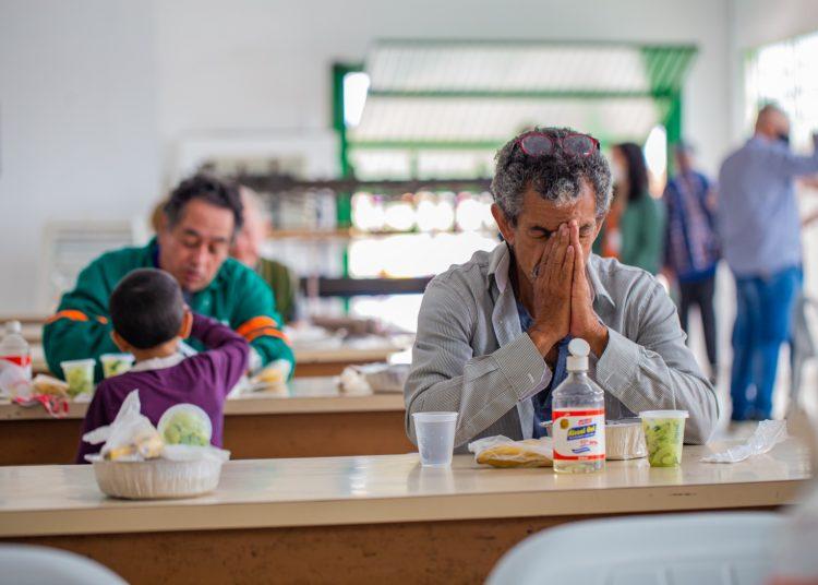 A meta é servir cerca de 35 mil refeições até o fim do ano — Fotos: Alisson Moura/PMC